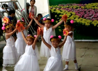 """Tiết mục múa """"Thương lắm thầy cô ơi"""" của học sinh điểm 3000 Kênh 3. Hội thi """"Tiếng hát trẻ thơ"""" năm 2016"""
